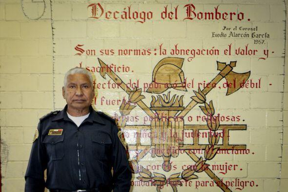Don Raúl Esquivel Carbajal confiesa que sus nietos le han ayudado a la t...