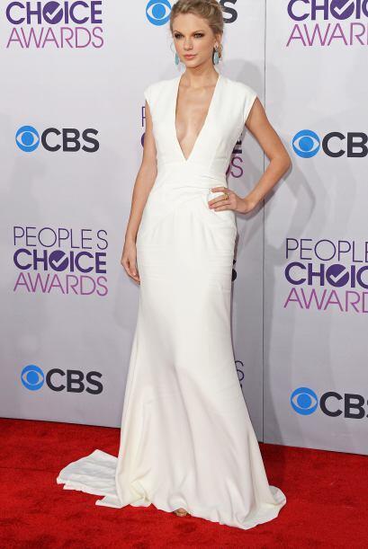 Taylor Swift apantalló a todos con ese escotazo. Para los 'fashionistas'...