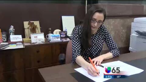 La nueva directora de la oficina de servicios para los inmigrantes en Fi...