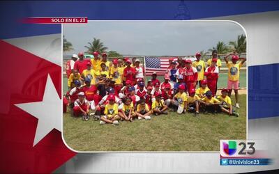 Estudiantes estadounidenses regresan de Cuba tras viaje educativo