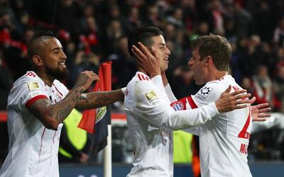 Javier 'Chicharito' Hernández busca llevar al Leverkusen a la Champions...