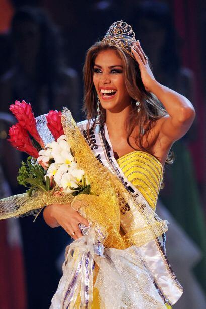 Dayana Mendoza de Venezuela ganó el certamen en 2008. Fue coronad...