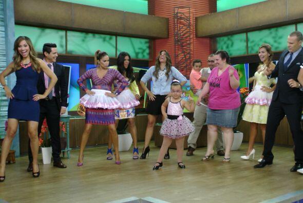 Muy pronto todos se pusieron a bailar junto con ella ¡qué gran baile!