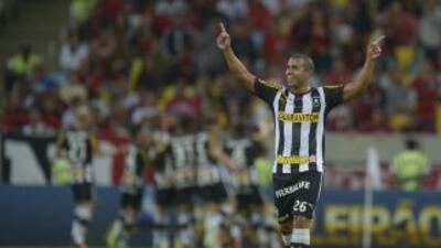 Botafogo reencontró el camino de la victoria al vencer por 1-3 (un gol d...
