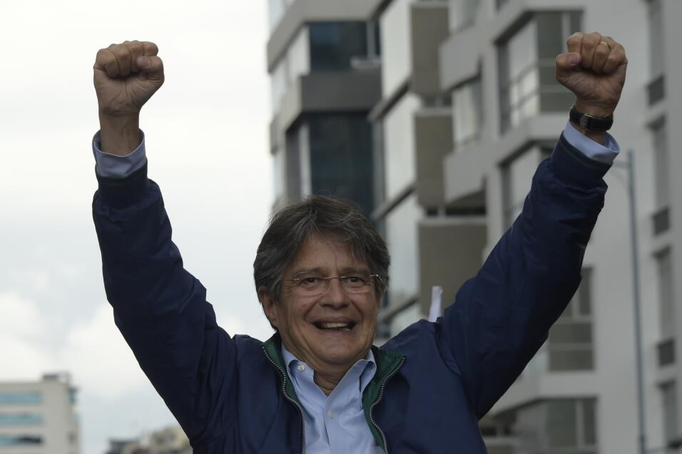 El candidato opositor Guillermo Lasso es un empresario y banquero que tr...