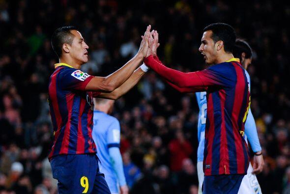 El Barcelona goleó al Málaga (3-0), este domingo en el Camp Nou, y mantu...