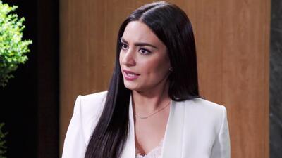 Elena aprovechó la confusión y felicitó a Alejandra por sus planes de boda con Carlos