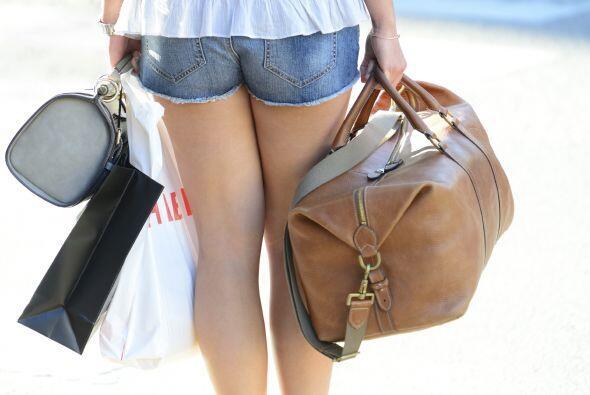 Equipaje de mano. Duco recomienda un bolso cruzado o 'backpack', para te...