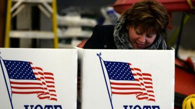 Pita S. Juarez: Tres preguntas antes de salir a votar GettyImages-Voter-...