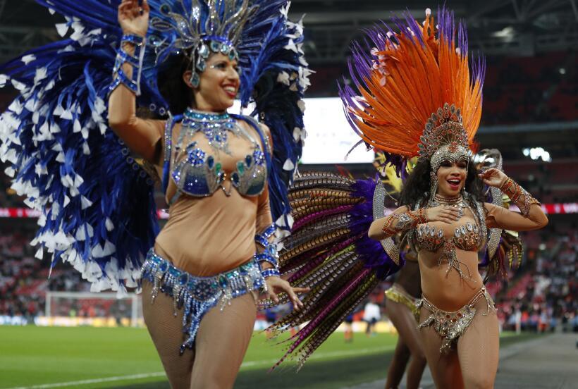 Inglaterra y Brasil empatan sin goles en Wembley gettyimages-874175750.jpg