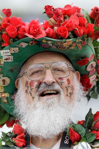 """El Derby es comúnmente llamado """"La Carrera por las Rosas"""" porque una gui..."""