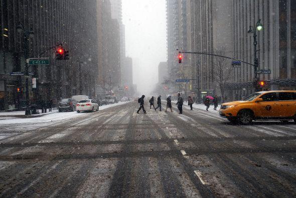 La ciudad que nunca duerme, hoy es azotada por una tormenta que no sólo...