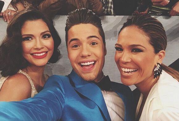 """""""Con Ana Patricia y Karla Martínez en Premios Univisión"""", compartió Will..."""