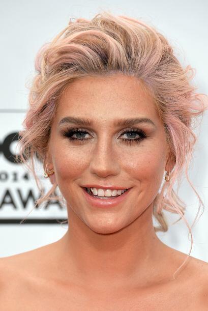 Kesha Mira aquí lo último en chismes.