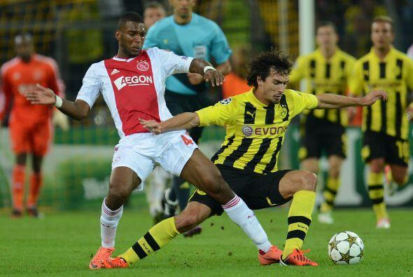 El bicampeón alemán Borussia Dortmund recibió al Ajax en el otro duelo d...