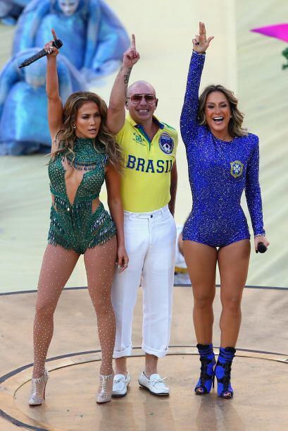 Junto con Pitbull y Claudia Leitte, la cantante fue la encargada de la i...