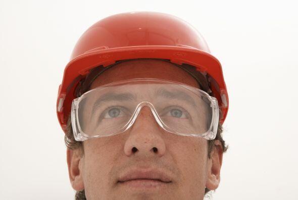 Protege tus ojos de posibles accidentes. Si eres carpintero, plomero, ma...