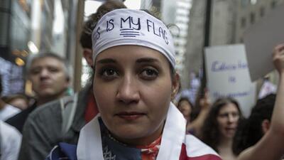 Una inmigrante indocumentada durante una manifestación en apoyo a...