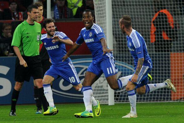 Otro club inglés vio acción, el Chelsea en casa del Bayer Leverkusen y l...