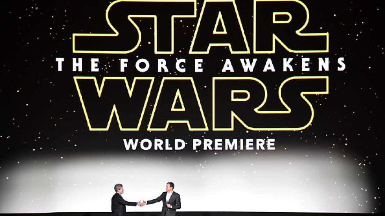 """""""Star Wars"""" desplegó su fuerza en el estreno mundial de """"The Force Awake..."""