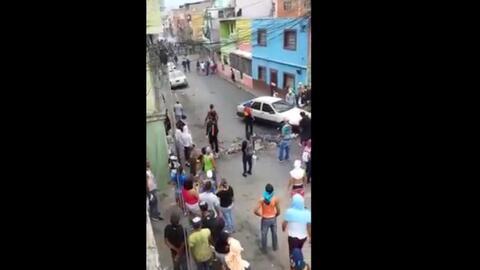 Video: Barrio popular tradicionalmente chavista se rebela contra Nicolás...