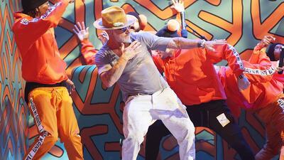 Gianluca Vacchi en los ensayos de Premios Juventud.