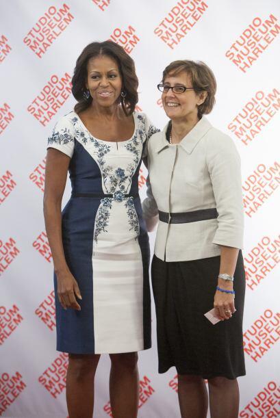 Gianna Fregonara, esposa del primer ministro italiano, con un atuendo mu...