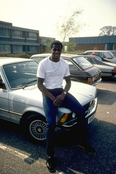 Entre 1978 y 1981 Justin jugaba en el Norwich City, la imagen es de esa...