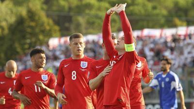 Wayne Rooney alcanzó a Bobby Charlton como máximo goleador de Inglaterra-