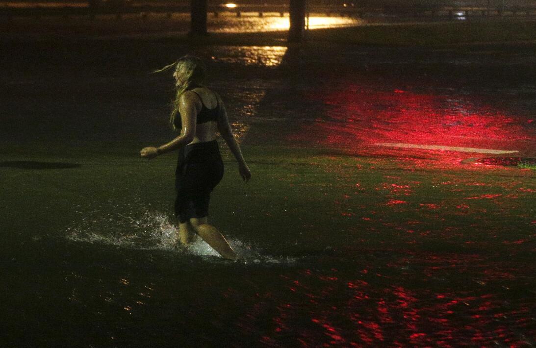 En fotos: Nate provoca inundaciones en la costa del Golfo  tropical-weat...