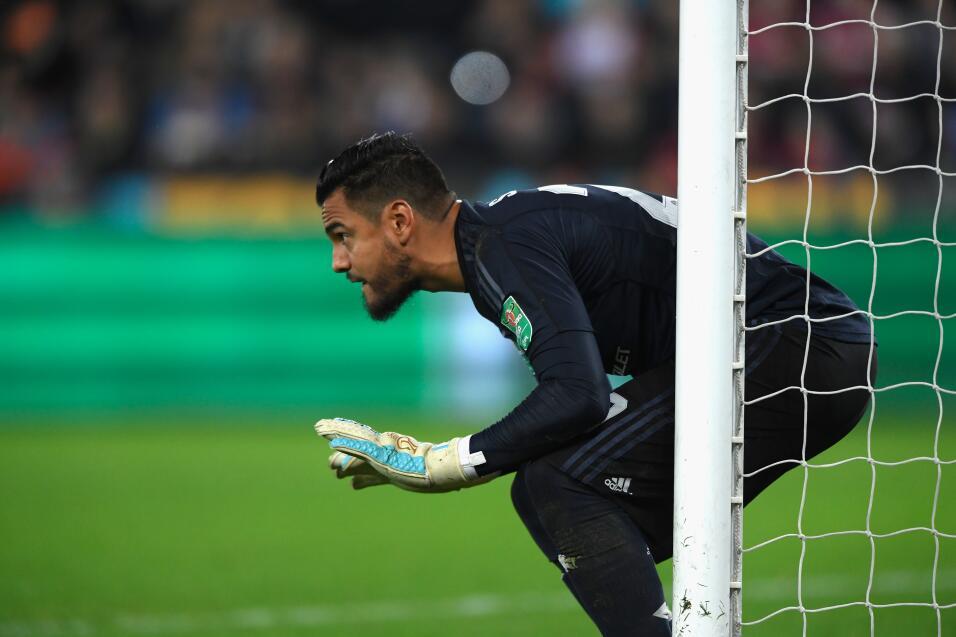 Brasileño Fred se ofrece al City y elogia a Guardiola gettyimages-866144...