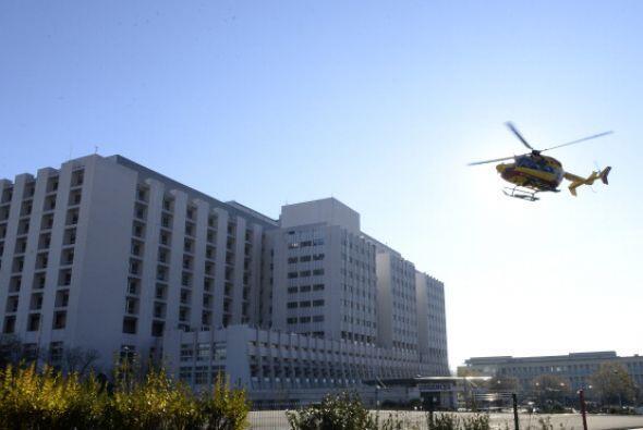 Tras recibir los primeros auxilios Schumacher fue enviado en helicóptero...
