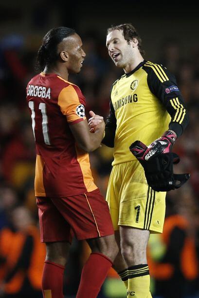 Drogba fue el hombre de la noche en Londres, aunque su club no pudo unir...