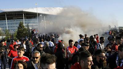 Castigo de UEFA por estos actos de violencia: ejemplar sanción para Lyon y Besiktas