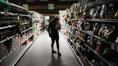 Aumento a los impuestos por venta se convierte en el dolor de cabeza de los comerciantes de Santa Ana