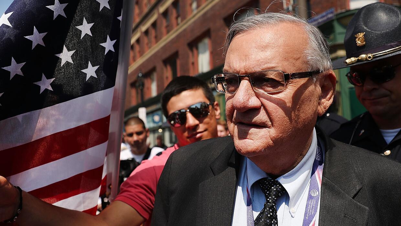 La Casa Blanca dice que no anunciará ningún perdón para el exsheriff Joe...