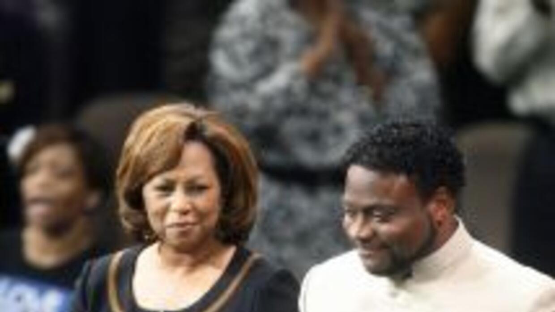 Vanessa Long, vista aquí junto a su esposo Eddie Long en el 2010, presen...