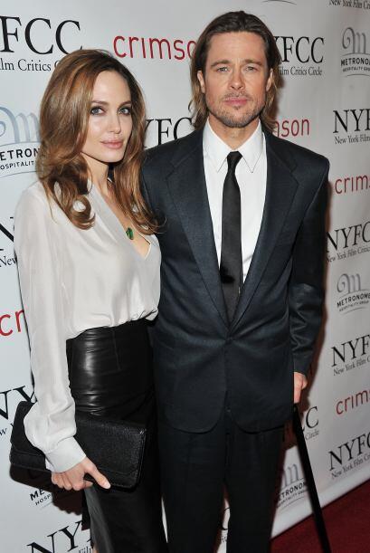 Brad acompañó a Angelina en enero de 2012 al estreno de su cinta como di...