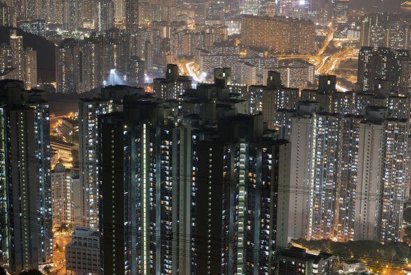 1. Hong Kong.- A juzgar por la creciente demanda y el valor de la vivien...
