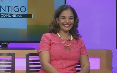 """Lizzette Díaz, periodista colombiana, habla de su nuevo libro """"Felizment..."""