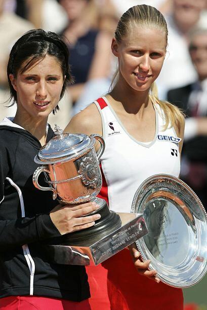 Llegó a dos finales de Grand Slam en el 2004. En Roland Garros an...