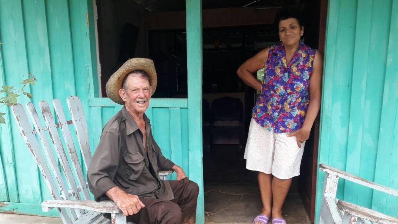 Las familias de Juanito y Victoria fueron de las primeras en unirse a la...