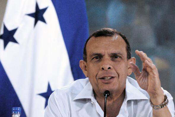 El presidente de Honduras,  Porfirio Lobo también asistirá al acto.