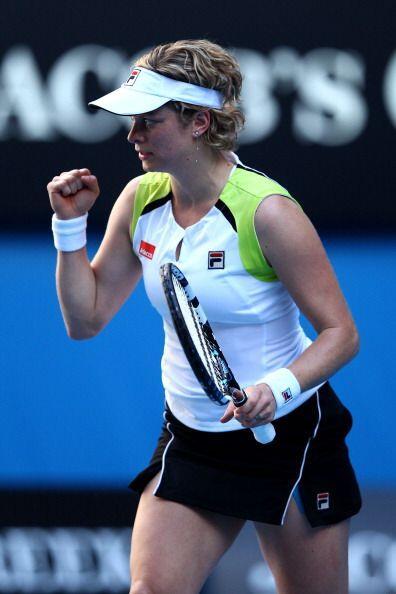 La belga Kim Clijsters se recuperó de una lesión y debutó con una victor...