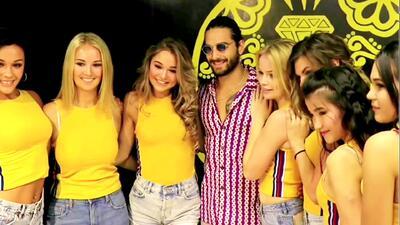 Maluma le dio una gran sorpresa a unas bailarinas rusas que hacen coreografías de sus canciones