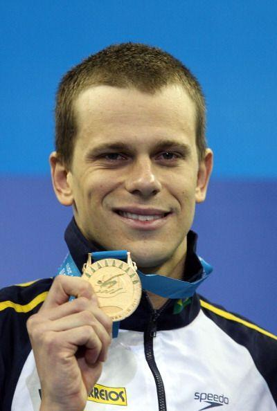 Cielo es el poseedor del récord mundial en la competencia, con marca de...