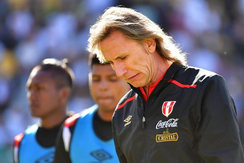 Perú empató sin goles en visita a Nueva Zelanda  perus-coach-ricardo-ga...