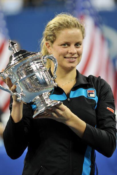 La belga Kim Clijsters logró su segundo título consecutivo en el US Open...
