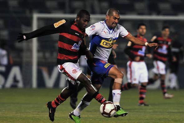 Por su parte el Flamengo de Adriano, que no jugó, quedó con un pié fuera...