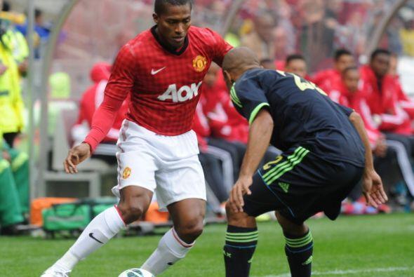 Valencia insisitió por los costados y complicó en varias oportunidades.
